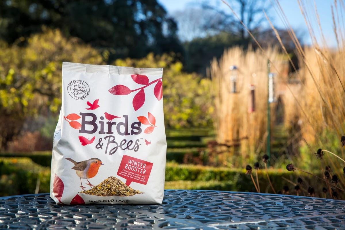 Opakowanie karmy dla ptaków Birds & Bees - minimalistyczne opakowanie karmy dla ptaków stworzone przez studio B&B.