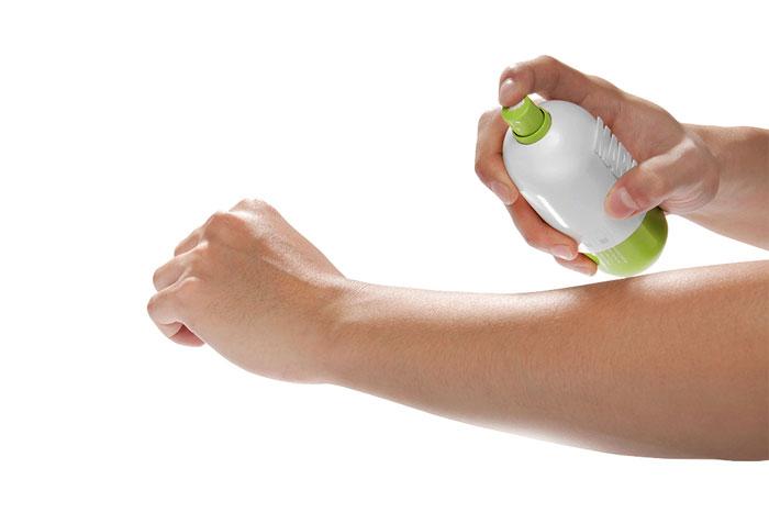 Opakowanie sprayów do opalania Super Skin
