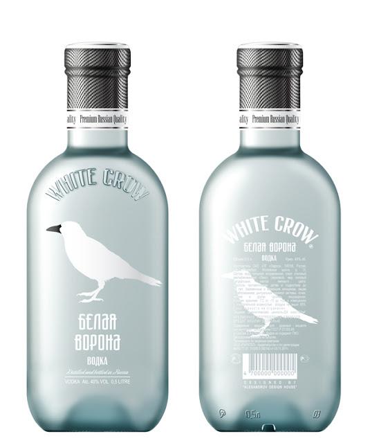 Projekt butelki wódki White Crow